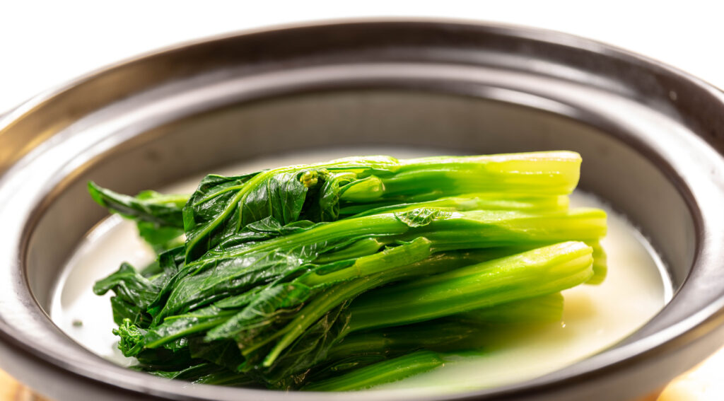 Choi Sum in Chicken Broth